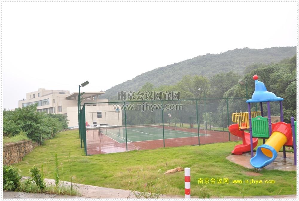 九天峰度假村网球场