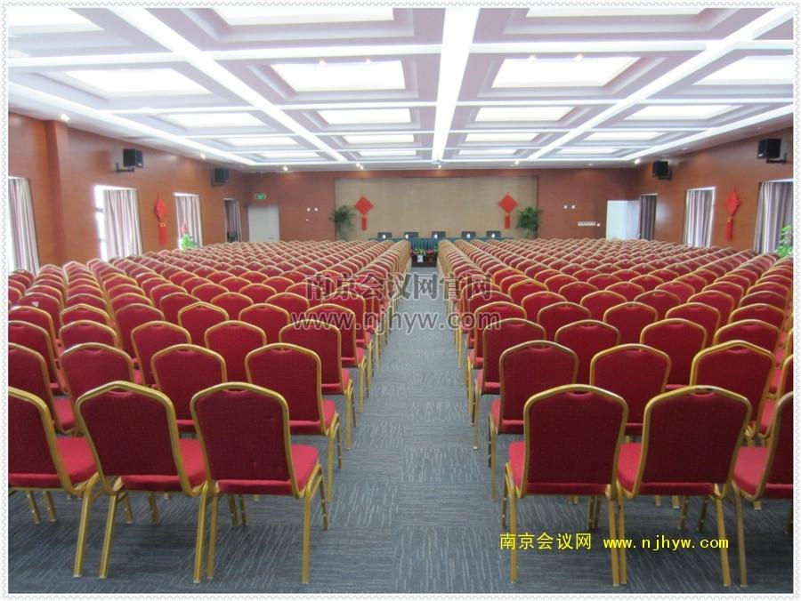 多功能厅600人影院式