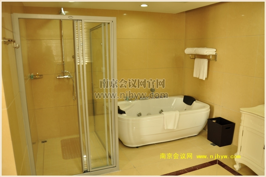 蜜月套房卫生间2
