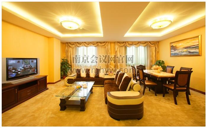 套房客厅1