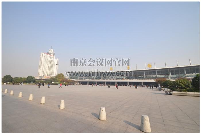 曙光国际大酒店与南京站