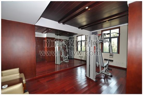 別墅1樓健身房