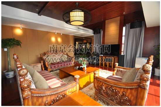別墅客廳1