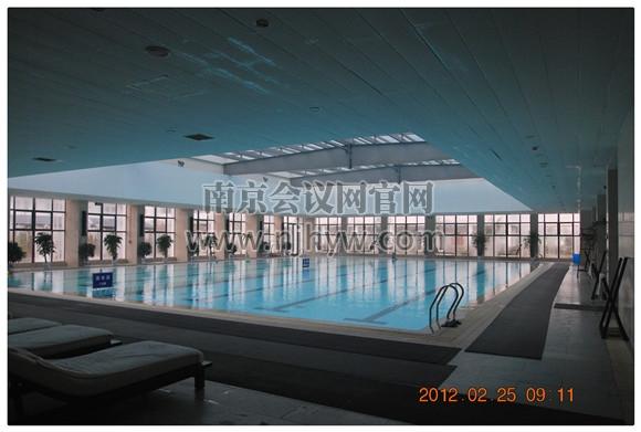 标准化游泳池