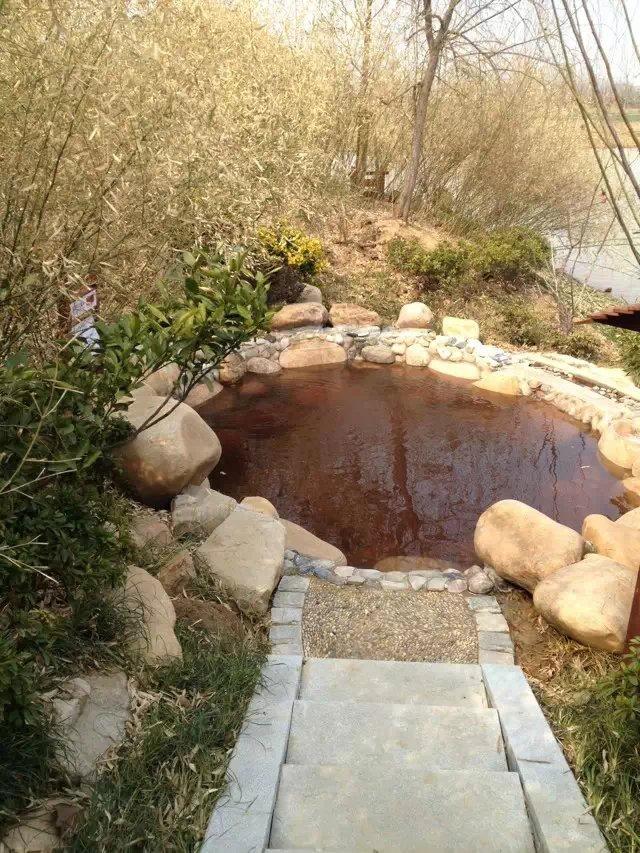 溫泉中藥泡池